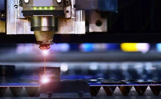 Techniki obróbki powierzchni – szlifowanie, obróbka elektroerozyjna, obróbka laserem