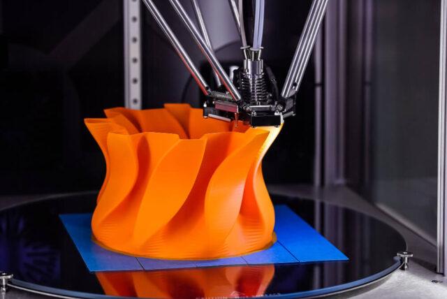 Technologia CNC vs. druk 3D – co sprawdza się lepiej?